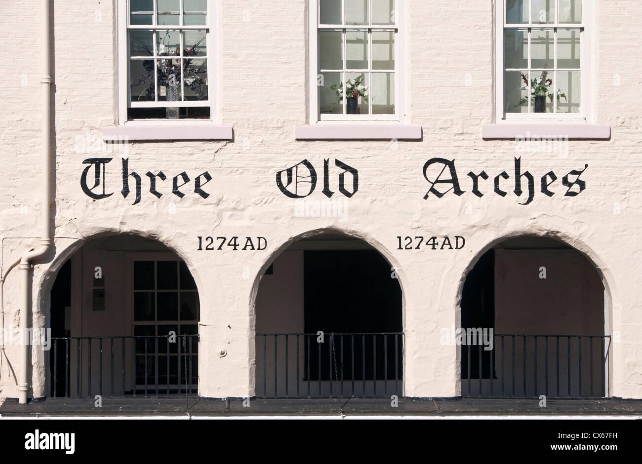 Tre antichi archi, Bridge Street Riga, Chester, Cheshire, Inghilterra, Regno Unito Immagini Stock