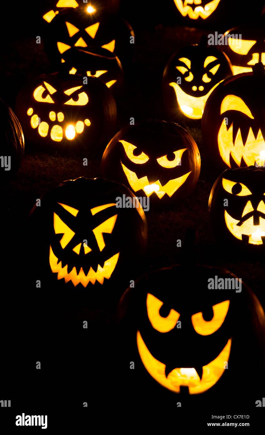 Facce Zucche Di Halloween.Zucche Di Halloween Jack O Lantern Facce Di Notte Foto Immagine