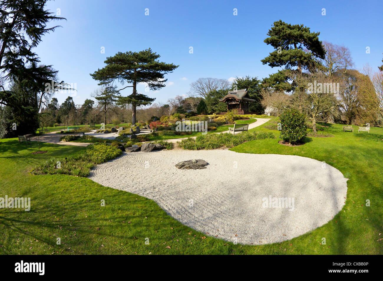 Japanese Gateway Chokushi-Mon, Gateway di Imperial Messenger, Royal Botanic Gardens, Kew, Sito Patrimonio Mondiale dell'UNESCO, Londra Foto Stock