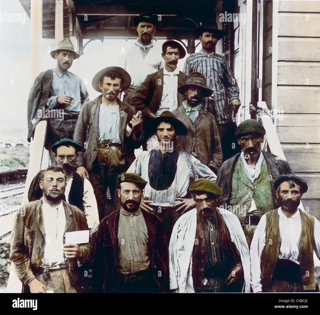 Lo spagnolo lavoratori edili, il canale di Panama, Panama, 1912 Immagini Stock