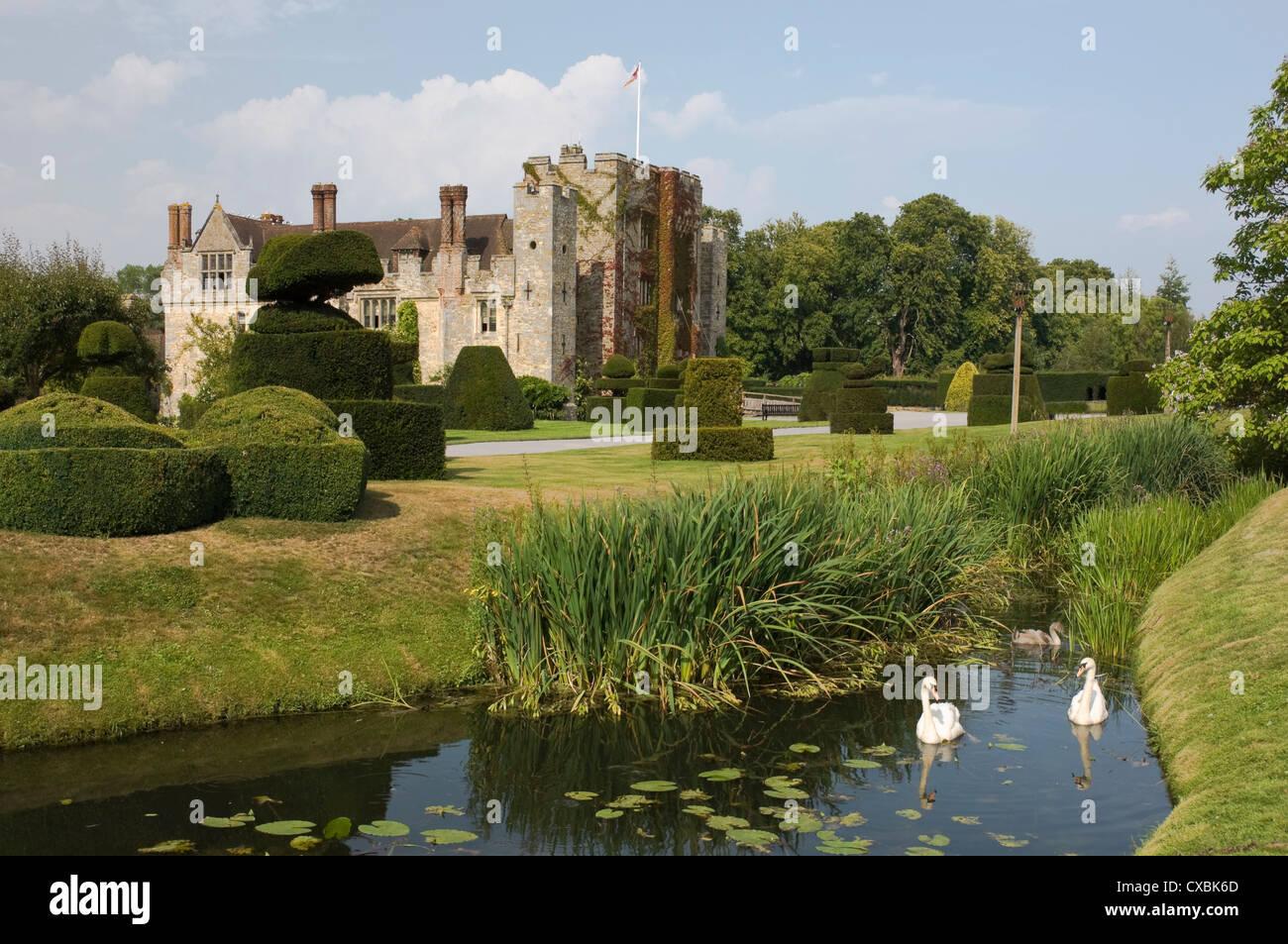 Il castello di Hever, risalente al XIII secolo, casa d'infanzia di Anne Boleyn, Kent, England, Regno Unito, Immagini Stock