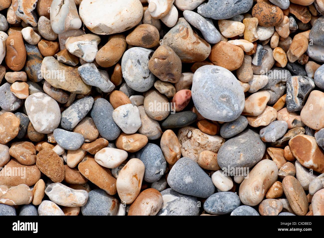 Spiaggia ghiaiosa, Sandwich Bay, Kent REGNO UNITO Immagini Stock