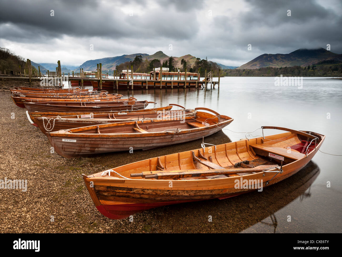 Keswick lancio barche, Derwent Water, Parco Nazionale del Distretto dei Laghi, Cumbria, Inghilterra Immagini Stock