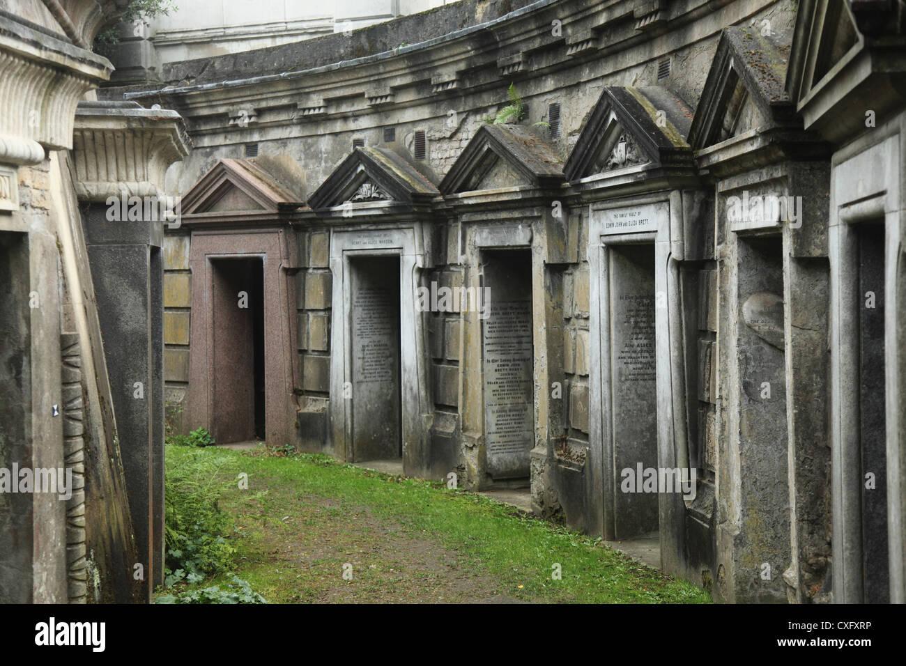 """""""Cerchio del Libano Vaults' presso il cimitero di Highgate West in London Inghilterra England Immagini Stock"""