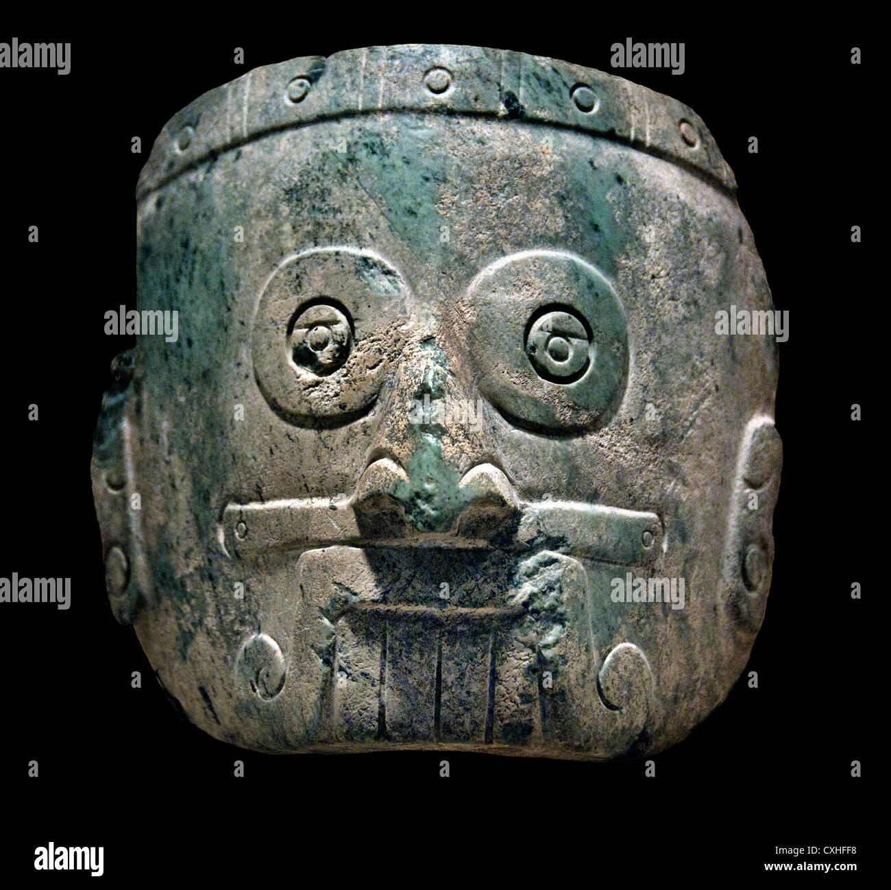 Pioggia maschera Dio 13th-XIV secolo Messico Mesoamerica Mixtec serpentina 14 x 15,2 cm scultura in pietra Immagini Stock
