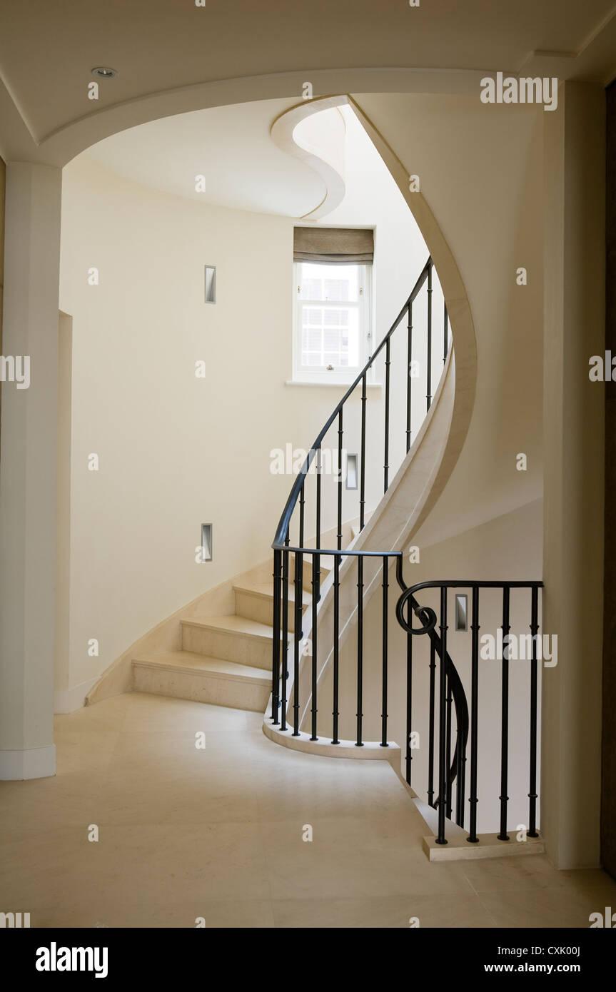 Colore Ringhiera Ferro Interna cream staircase immagini & cream staircase fotos stock - alamy