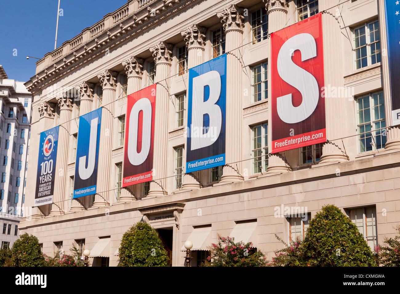I processi di grandi dimensioni banner sulla Camera di Commercio degli Stati Uniti edificio - Washington DC, Stati Immagini Stock
