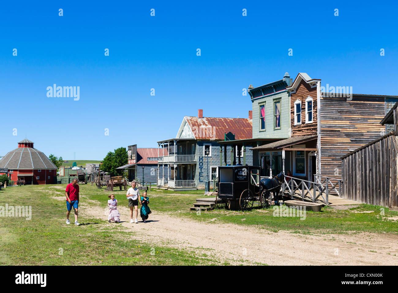 Strada principale di '1880 città western attrazione di Murdo, Dakota del Sud, STATI UNITI D'AMERICA Immagini Stock