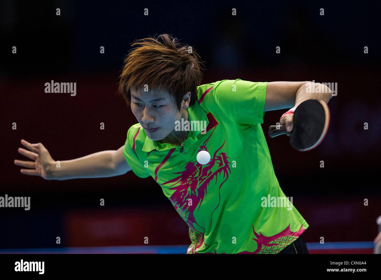 Ding Ning (CHN) vince la donna ping pong medaglia d'argento nelle Olimpiadi estive di Londra, 2012 Immagini Stock
