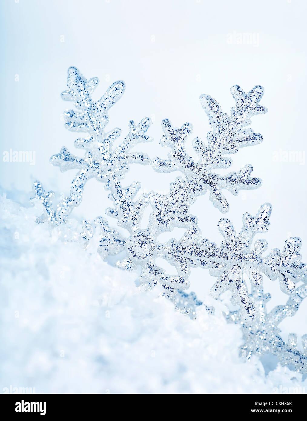 Bella blu il simbolo del fiocco di neve vacanze inverno sfondo Immagini Stock