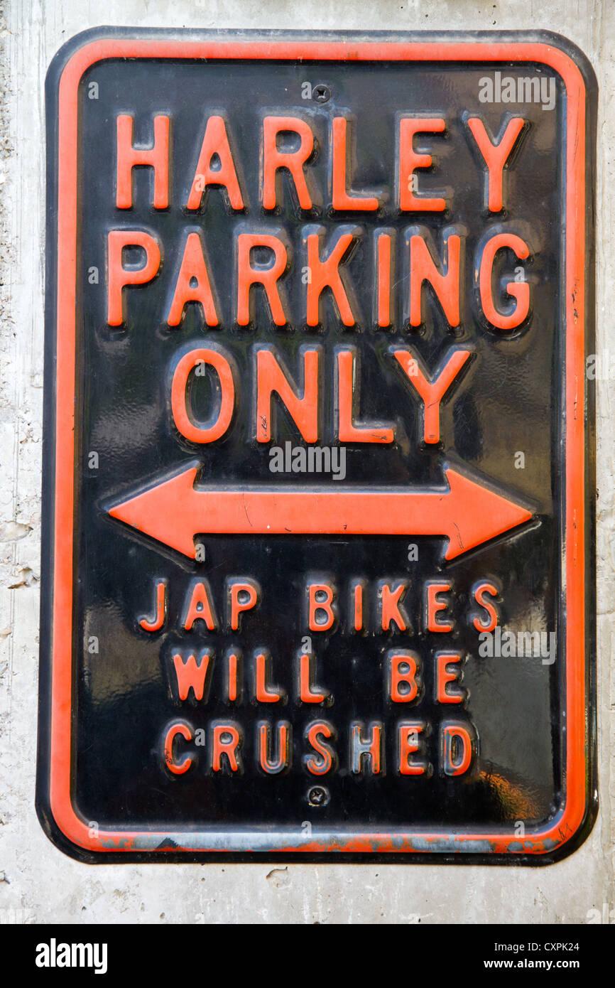 Harley parcheggio solo cartello di segno Immagini Stock