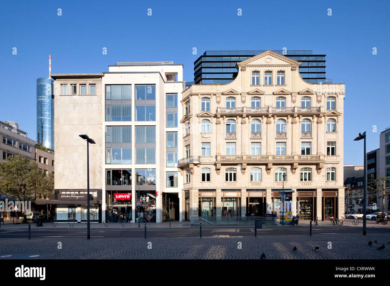 Uffici ed edifici retail su Rathenauplatz square, Frankfurt am Main, Hesse, Germania, Europa PublicGround Immagini Stock