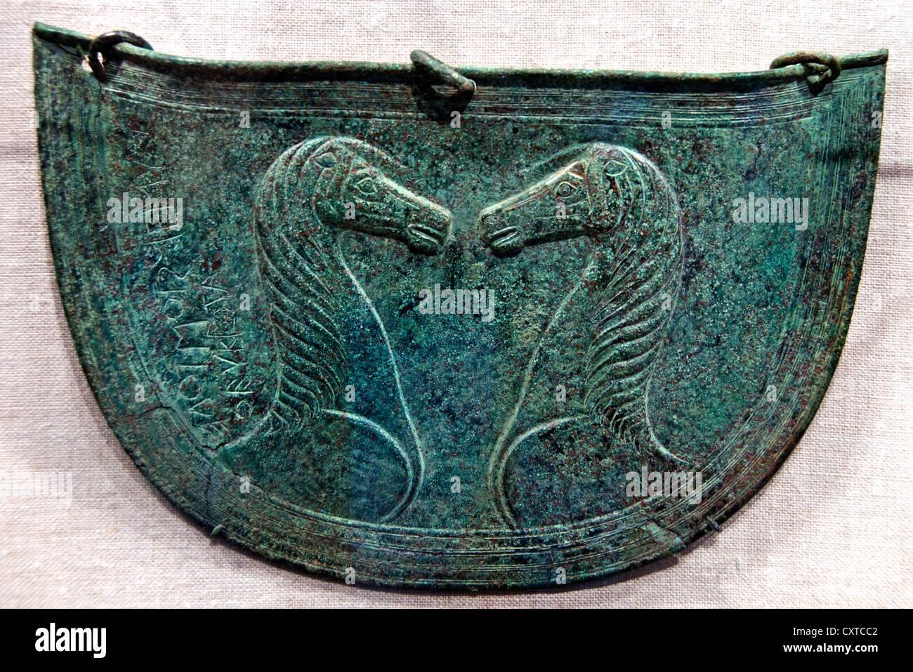 Bronzo ventre mitrai protezioni per i cavalli del VII secolo a.c. 7 Creta Grecia Creta Grecia Immagini Stock