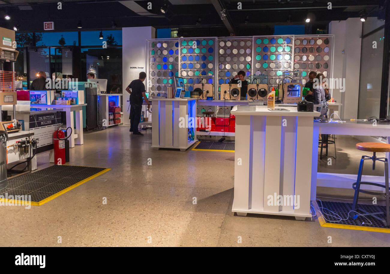"""New York City, NY, STATI UNITI D'AMERICA, American Concept Store 'Storia' collaborare con """"GE Garage' Immagini Stock"""