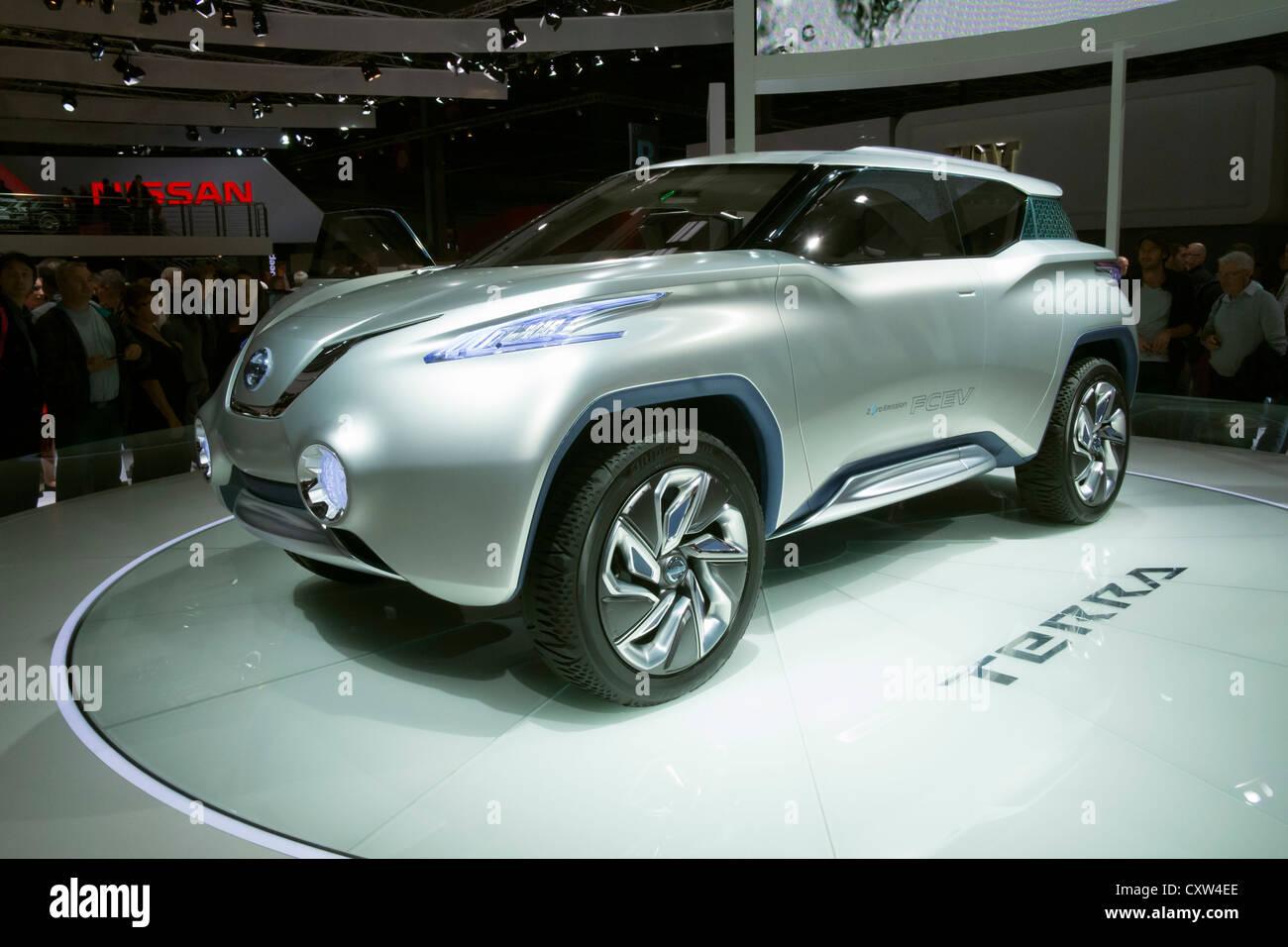 Nissan di Terra a cella a combustibile alimentato concept car al Paris Motor Show 2012 Immagini Stock
