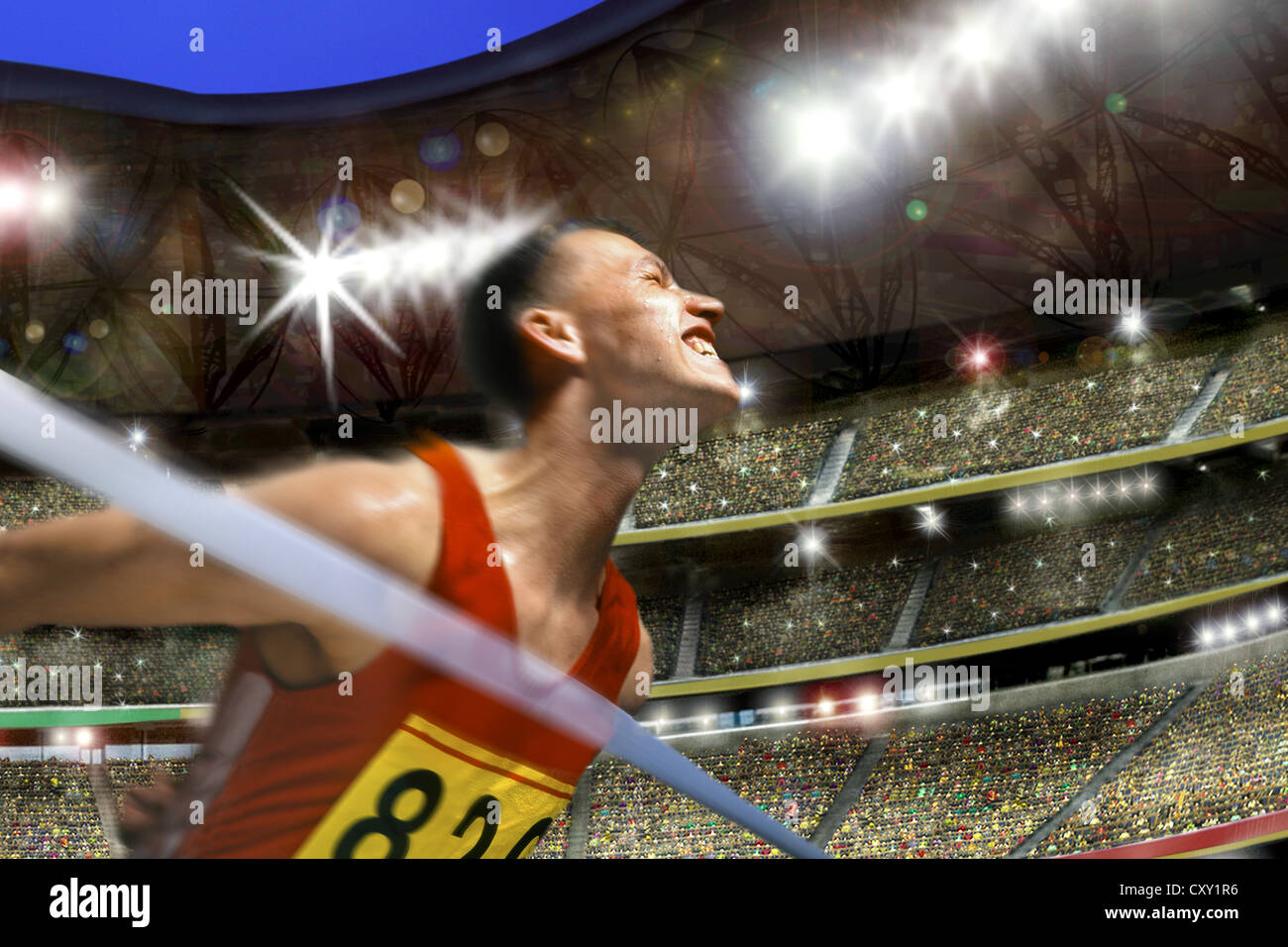 Runner, vincitore al traguardo solo nella parte anteriore del nastro, stadium Immagini Stock