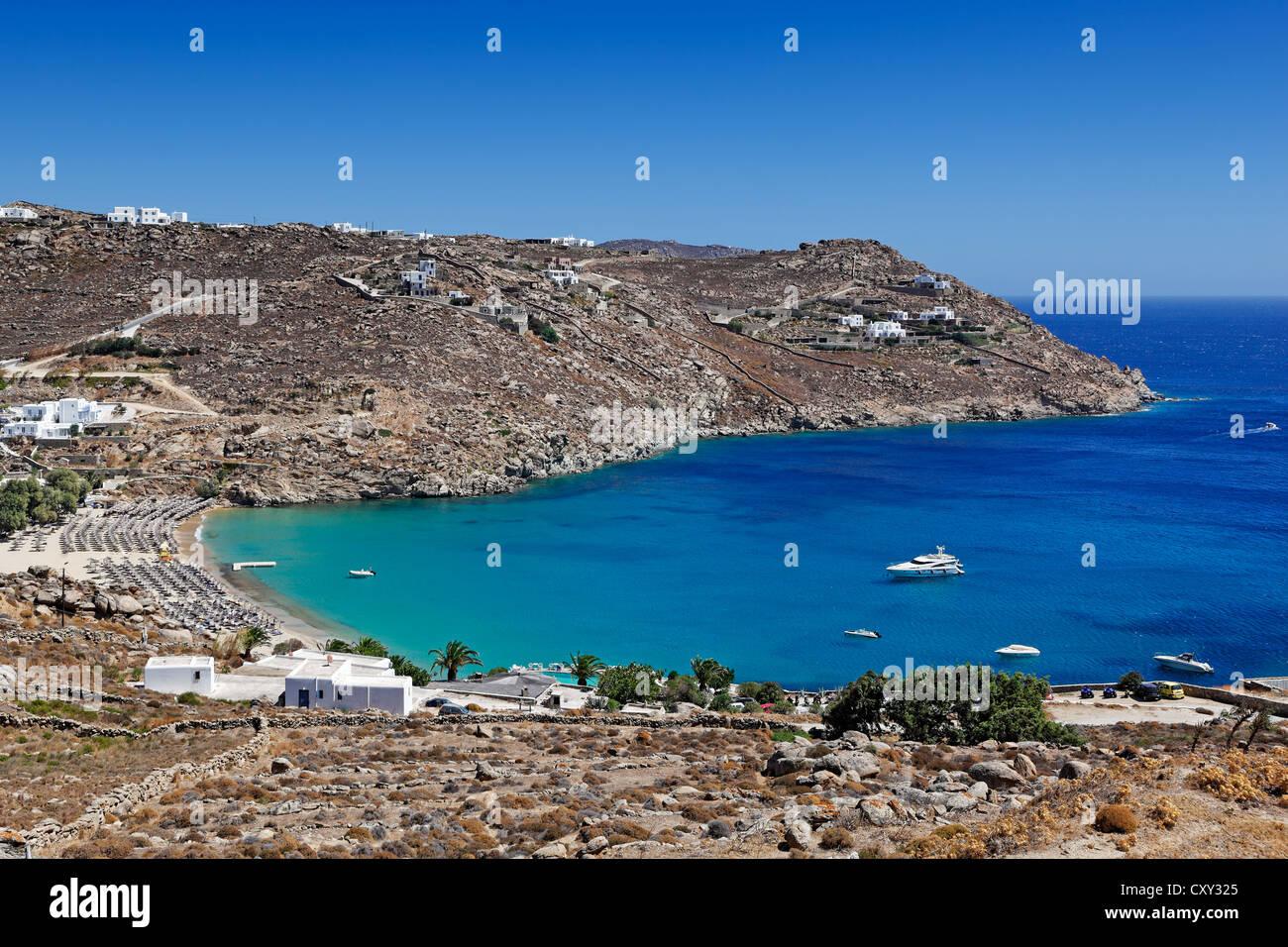 Super Paradise è una delle più famose spiagge a Mykonos, Grecia Immagini Stock