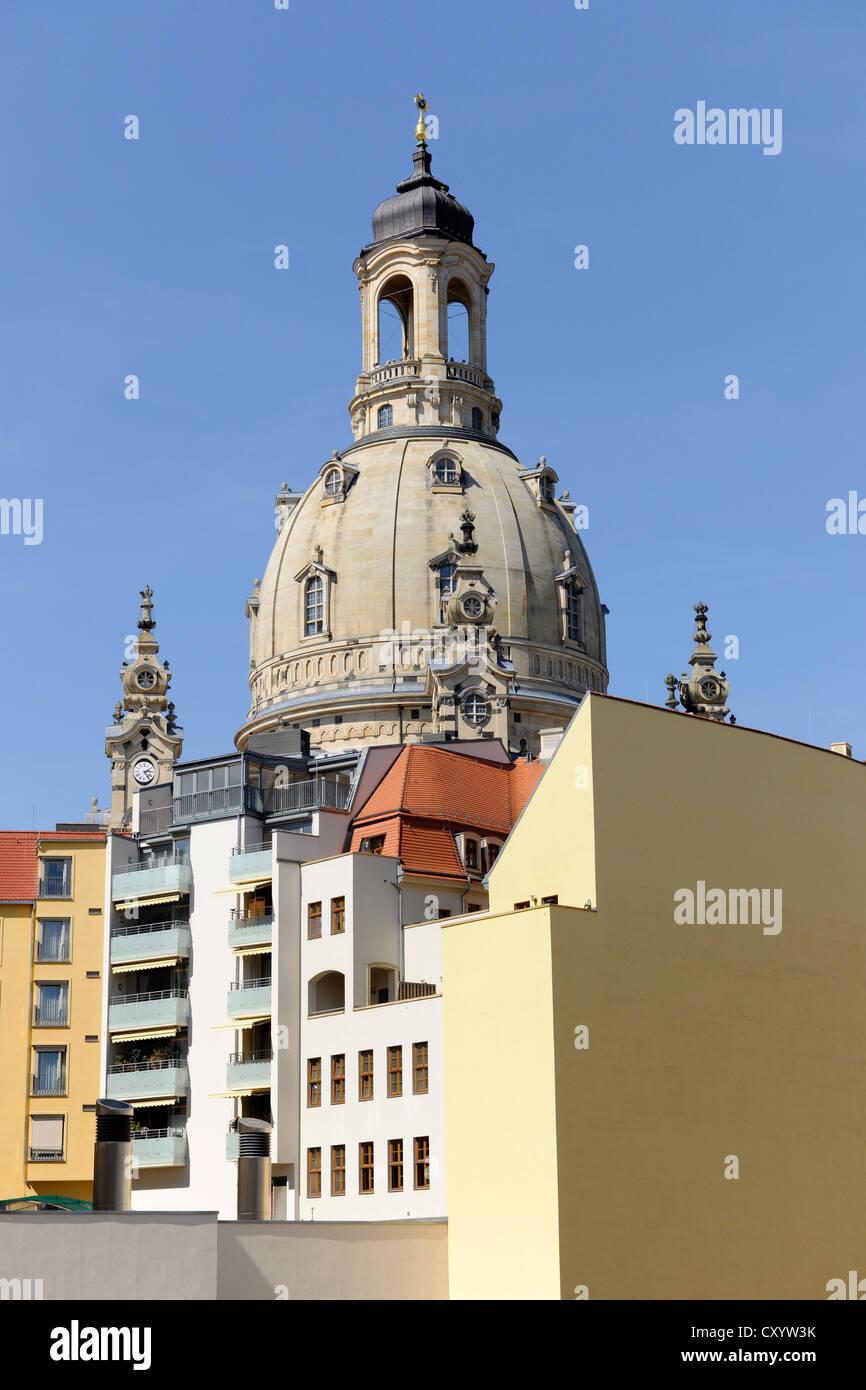 Architettura che circonda la Frauenkirche, la Chiesa di Nostra Signora di Dresda, Sassonia Immagini Stock