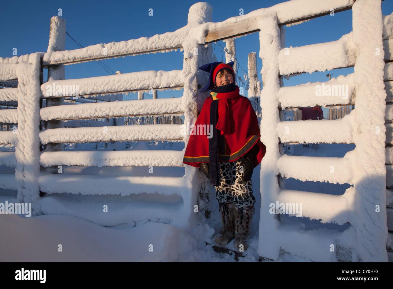 Sami ragazzo in Lapponia (Finlandia) Immagini Stock