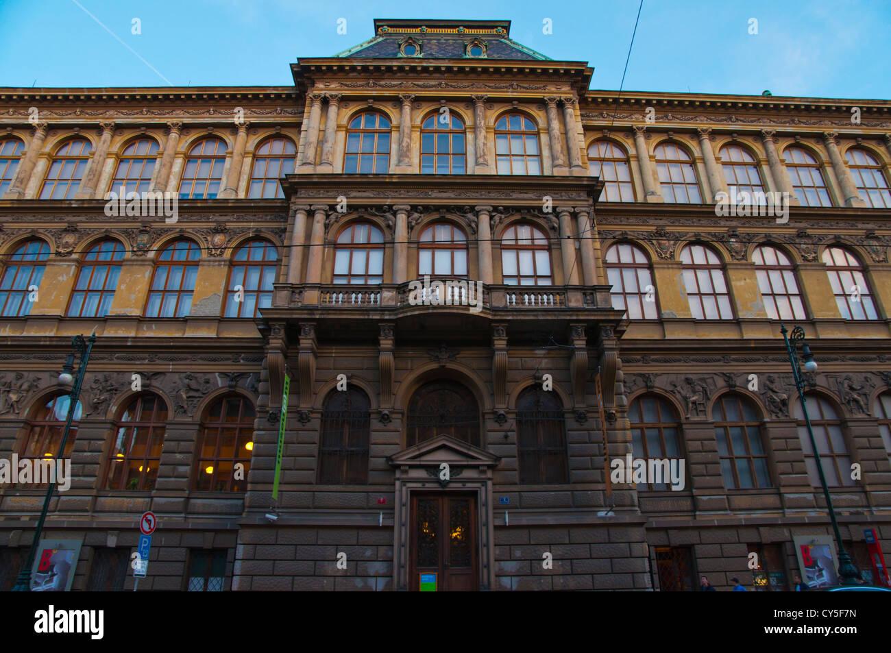 UPM Uměleckoprůmyslové museum v Praze il Museo di Arti Decorative costruendo città vecchia Praga Repubblica Immagini Stock