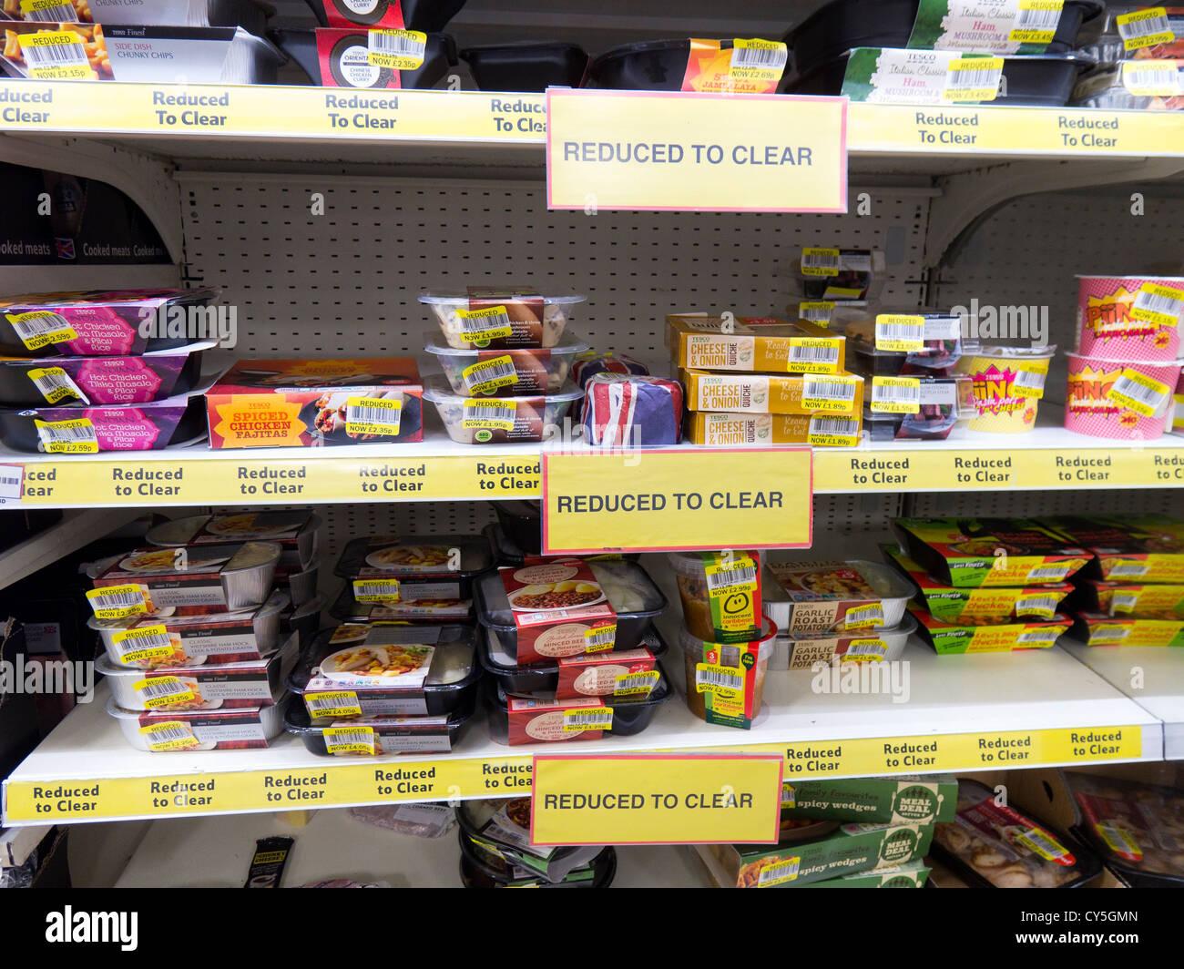 Scaffali Per Alimentari Prezzo.Ridotto Al Chiaro Di Scaffali In Un Supermercato Che Offre