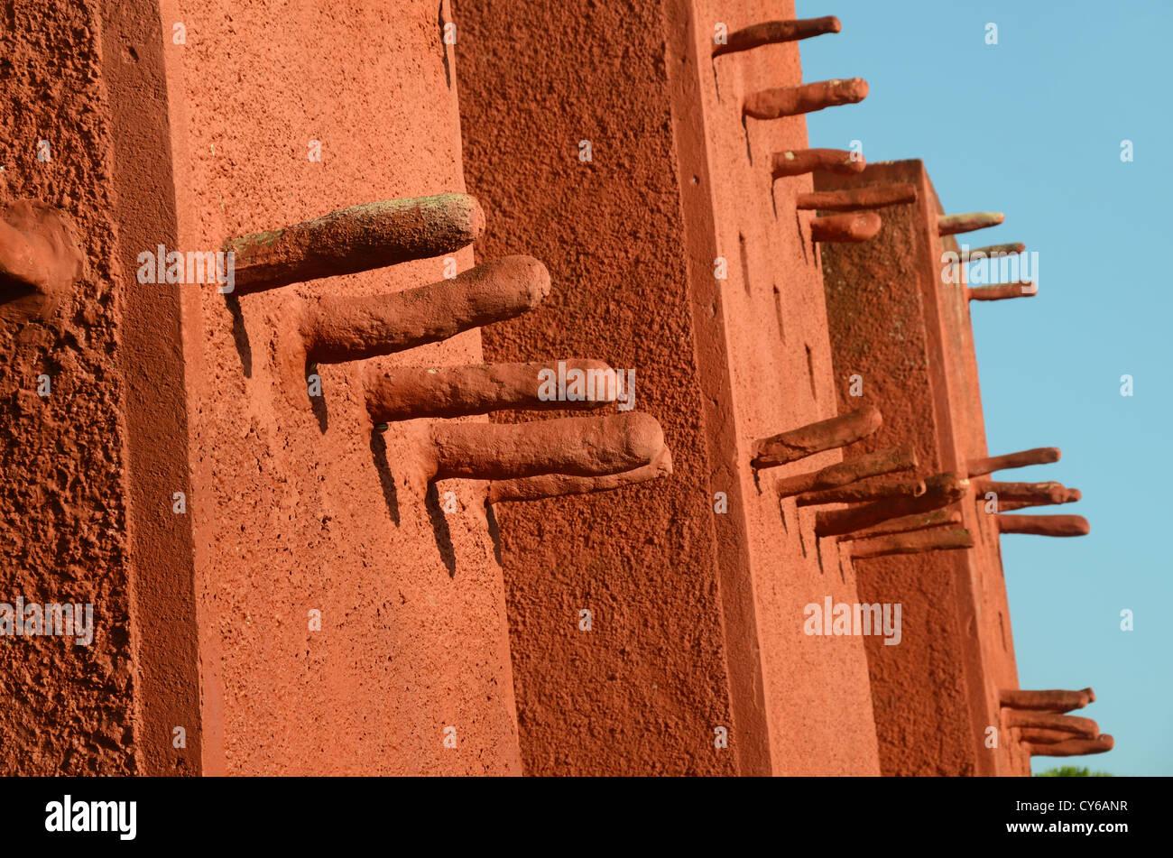 Adobe infangano la costruzione della moschea di sudanesi Frejus Var Provence Immagini Stock