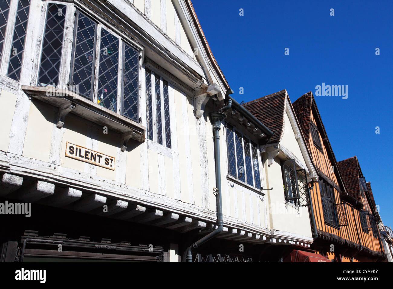 La metà degli Edifici con travi di legno sulla strada silenziosa in Ipswich Suffolk in Inghilterra Immagini Stock