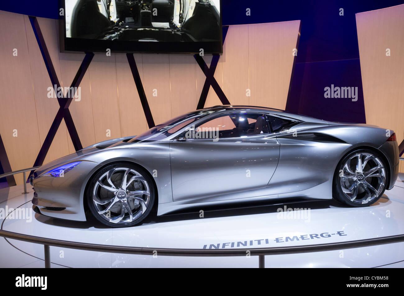 Infiniti concetto elettrico emerge-E auto al Motor Show di Parigi 2012 Immagini Stock