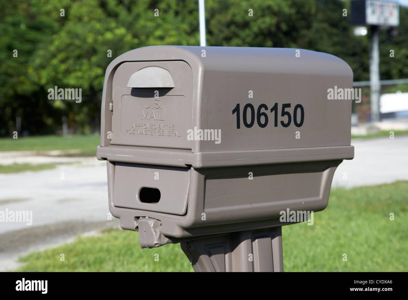 Plastica a buon mercato usa mail mailbox doppia usa Immagini Stock