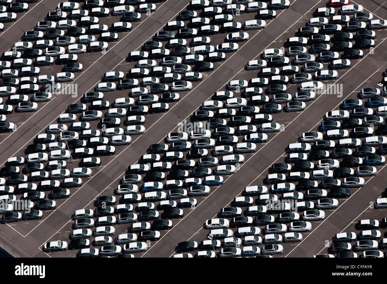 I Paesi Bassi, Rotterdam, Porto. Terminale auto. Antenna. Immagini Stock