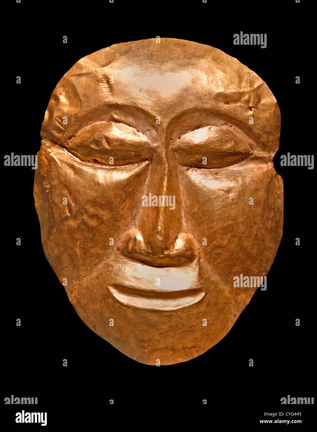 Maschera giavanese centrale 8 - IX secolo Indonesia Java Gold 15.2 cm Indonesian Immagini Stock