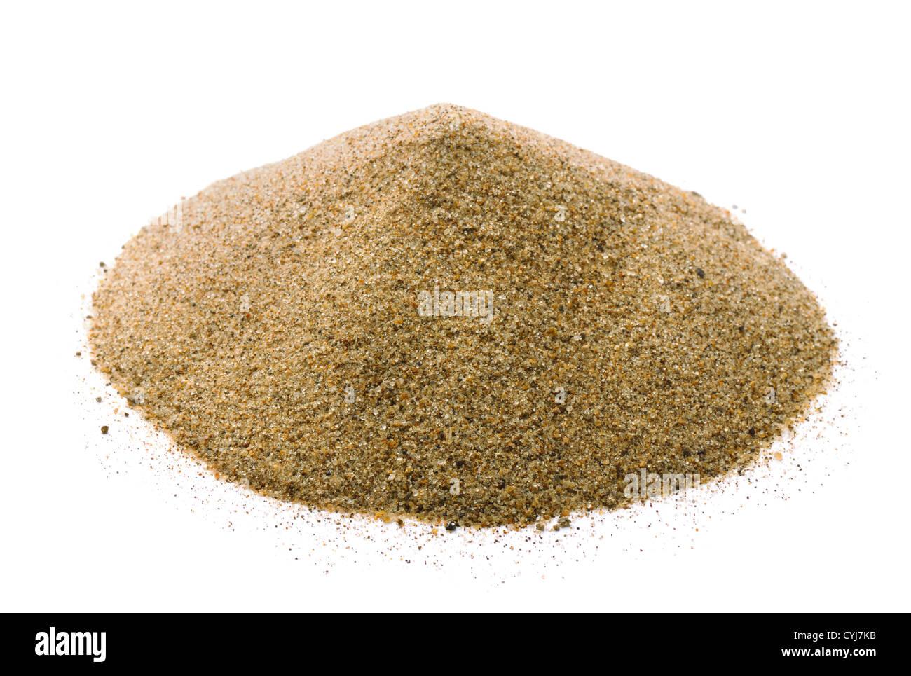 Pila di sabbia asciutta isolato su bianco Immagini Stock