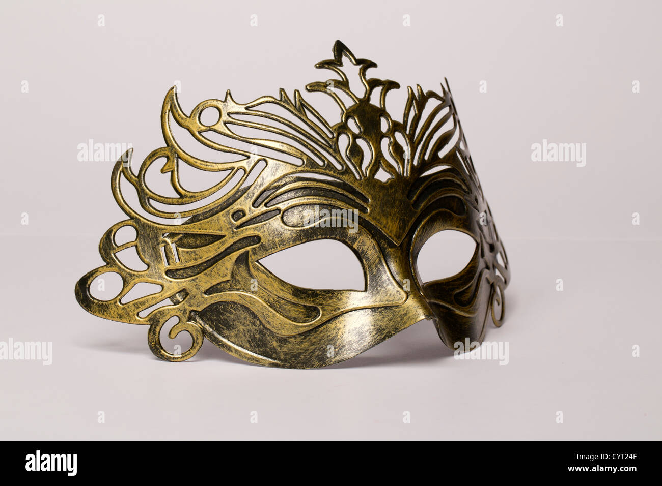 Maschera di carnevale isolato su un bianco Foto Stock