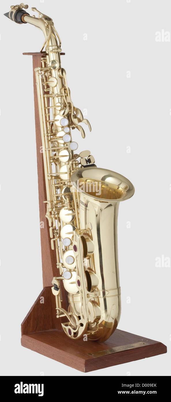 Bill Clinton - un sassofono alto, l'ex presidente degli Stati Uniti ha giocato questo strumento il 13 marzo 2001 Foto Stock