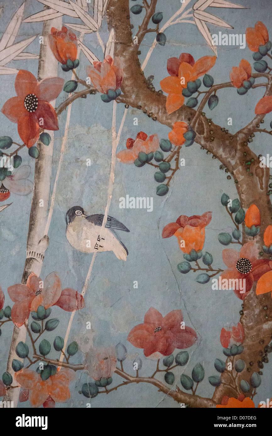 Dettaglio della carta da parati cinese risalente al XVIII secolo salone cinese CHATEAU DE MAINTENON EURE-ET-LOIR Immagini Stock