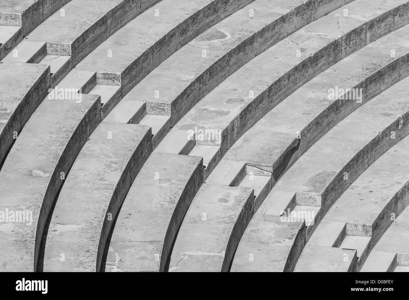 Scale formando un alto contrasto bianco e nero pattern Foto Stock