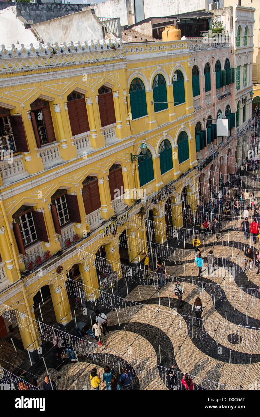 Portoghese edificio coloniale a Largo do Senado o Piazza Senado, Macau, Cina Immagini Stock