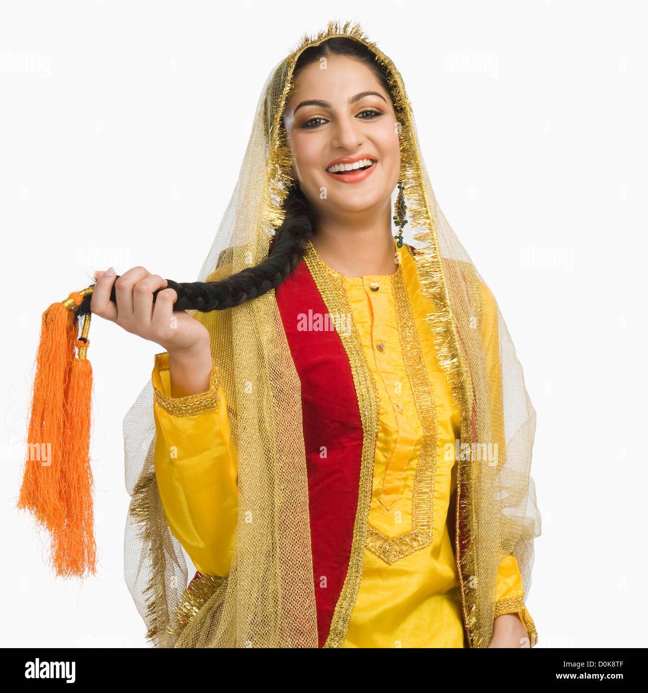 La donna nel tradizionale abito Punjabi Immagini Stock