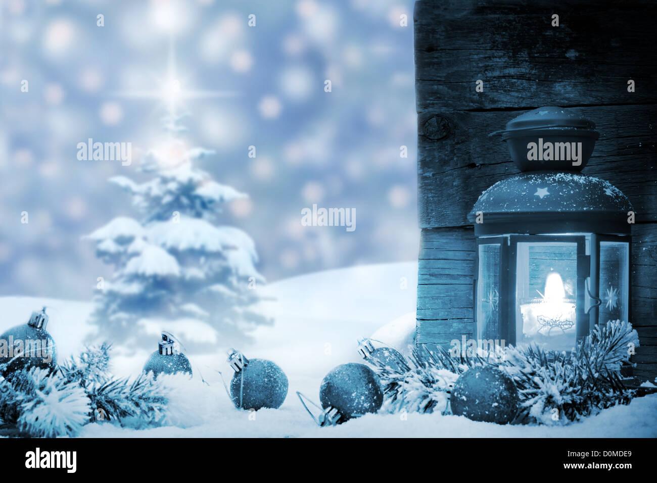 Baubles Di Natale Con La Lanterna Di Neve E Albero Concetto Di