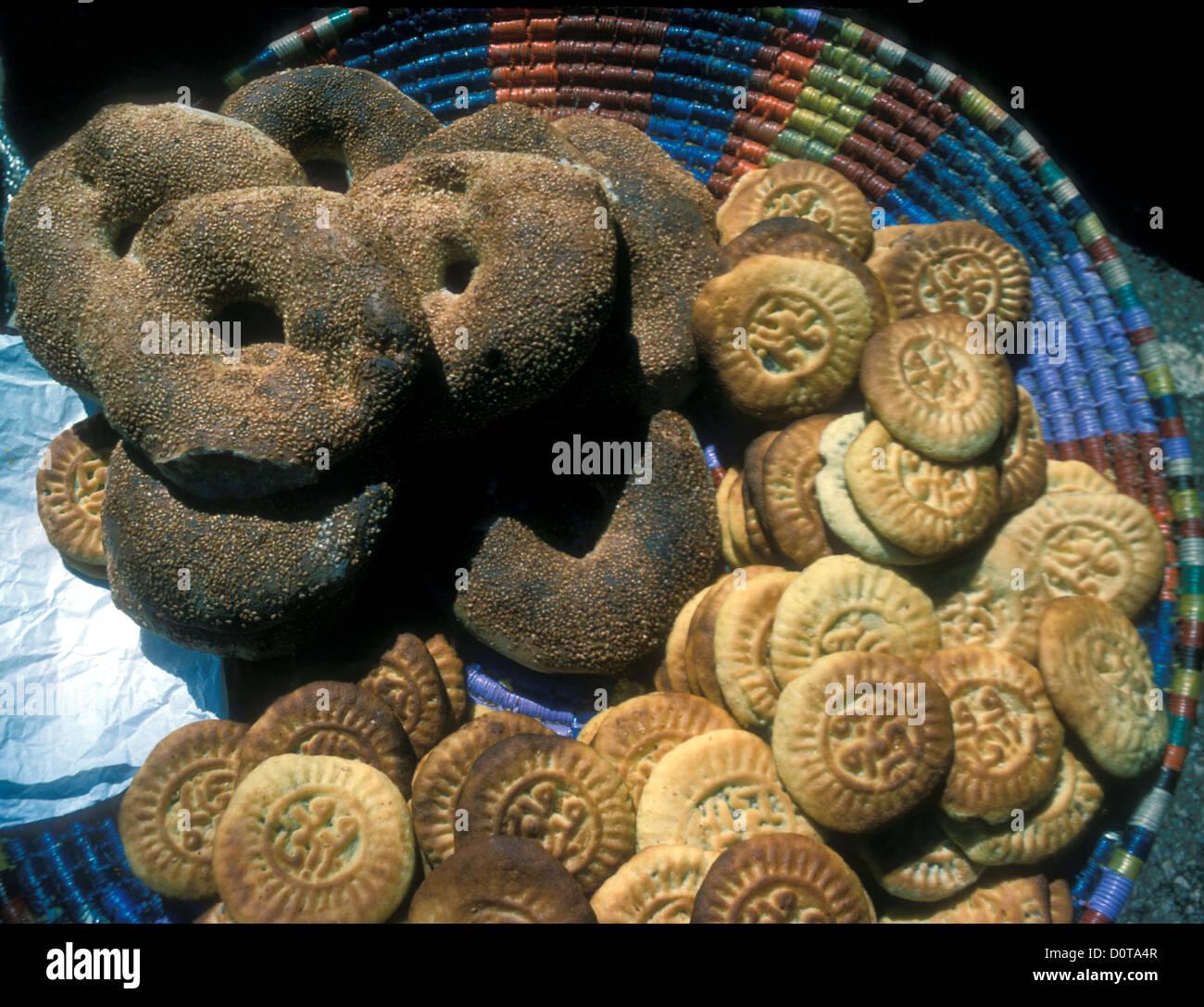 Kaik anelli di pane con semi di sesamo e biscotti Immagini Stock