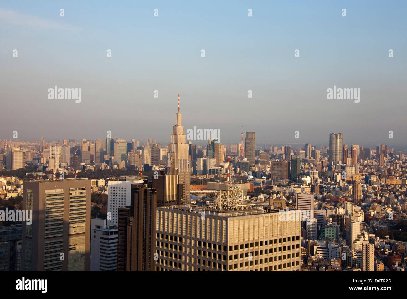 Giappone, Asia, vacanze, viaggi, Tokyo City e il centro cittadino, skyline, edifici, tetti, panoramica Immagini Stock