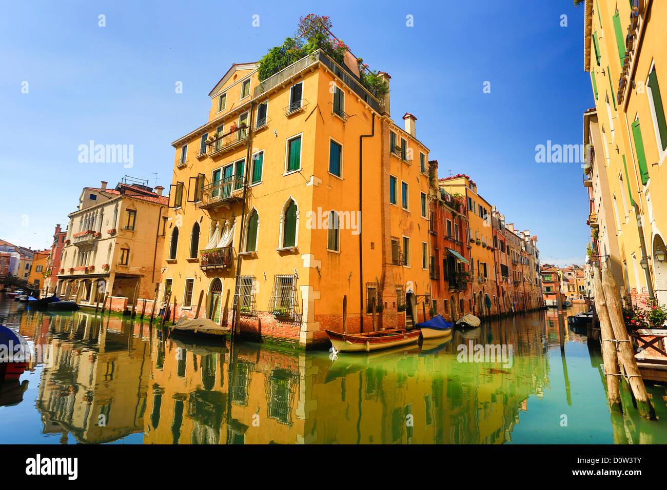 L'Italia, Europa, viaggi Venezia, case, Italia, Europa, viaggi, canal, colorato, riflessione, turismo, Unesco, Immagini Stock
