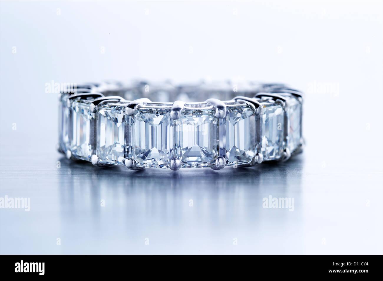 Anello di diamante con baguette Immagini Stock
