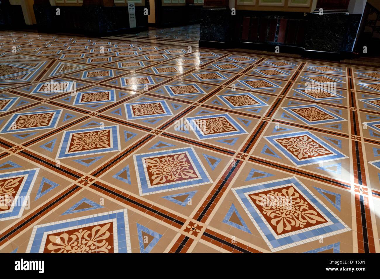 Ornati in piastrelle del pavimento Immagini Stock