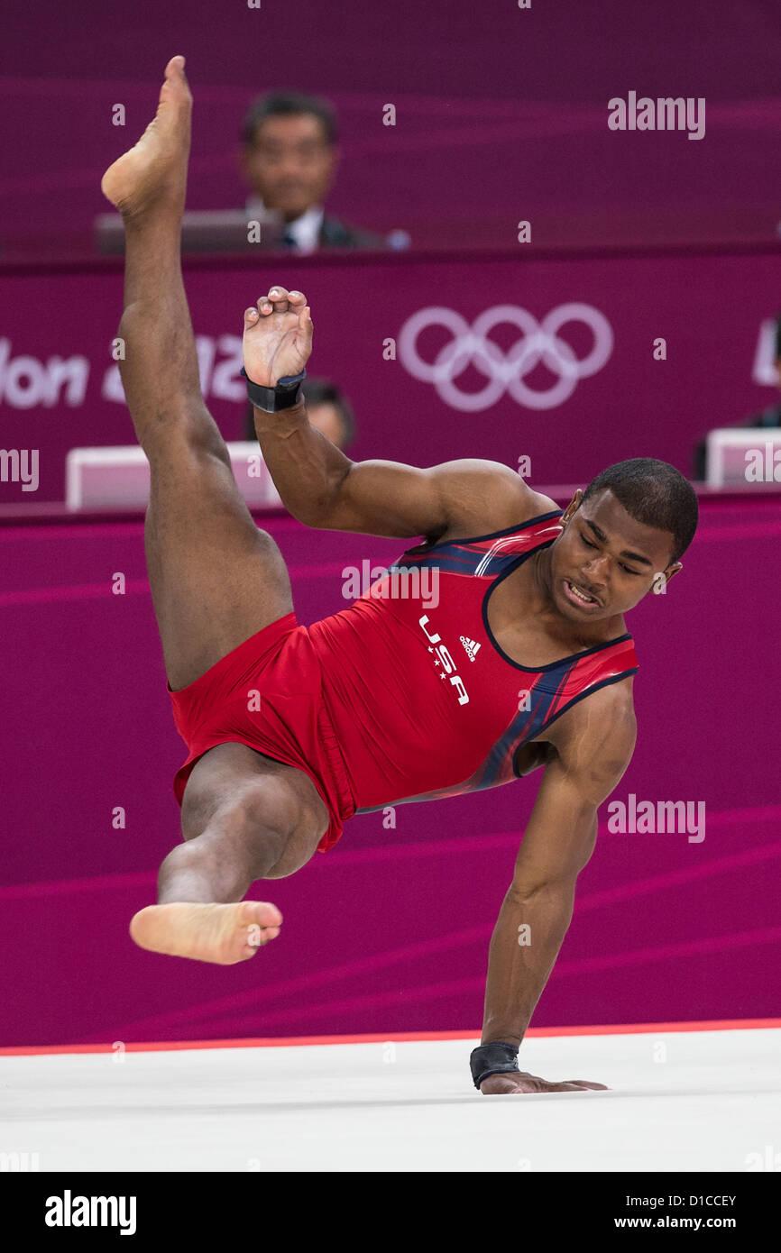 John Orozco (USA) preformare il piano esercizio durante l'uomo ginnastica completa individuale al 2012 Olympic Immagini Stock