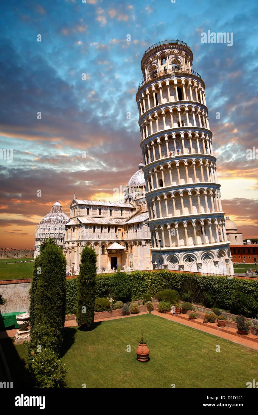 La Torre Pendente di Pisa al tramonto, Italia Immagini Stock