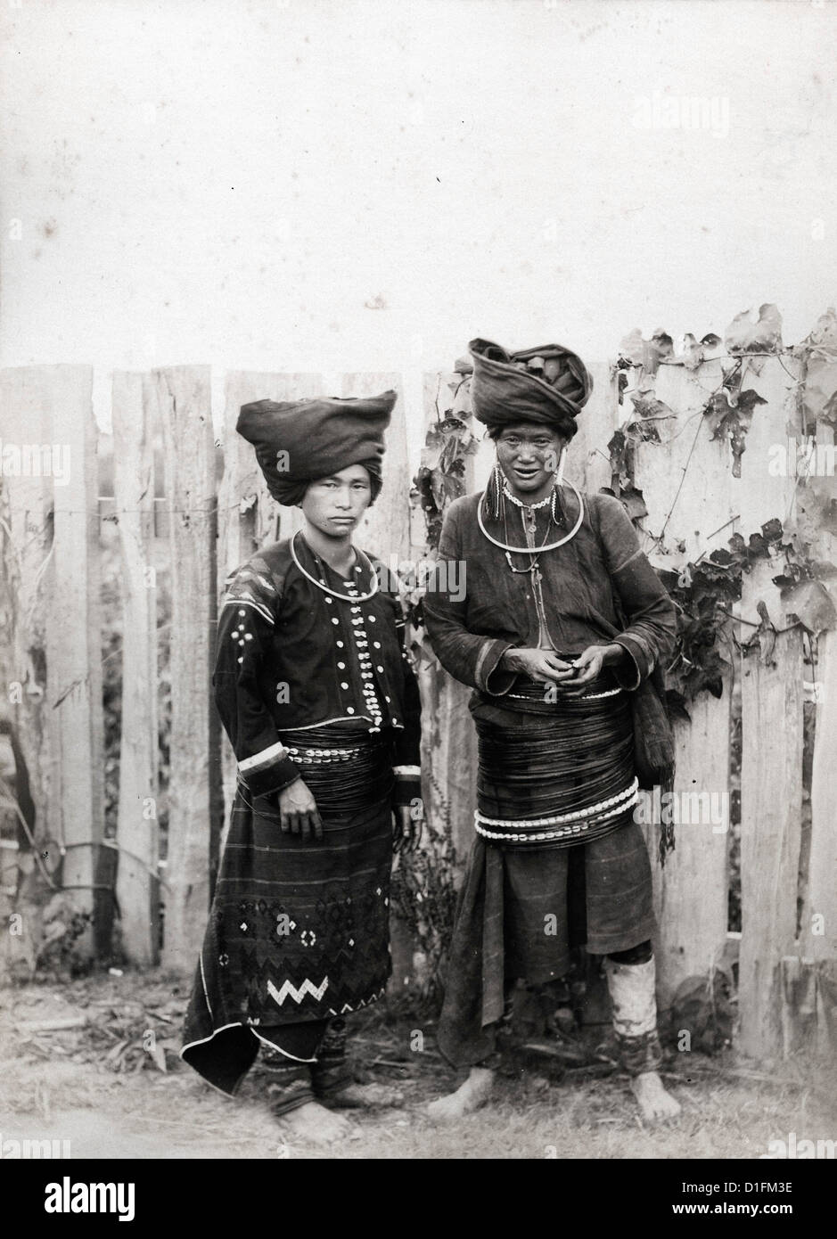 Donne Kachin, Birmania, ca 1889, dalla Felice Beato Immagini Stock