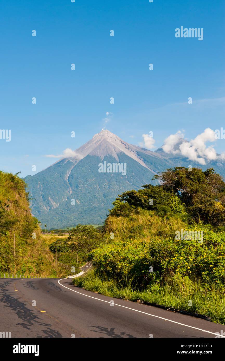 Vulcano Fuego, Antigua, Guatemala, America Centrale Immagini Stock
