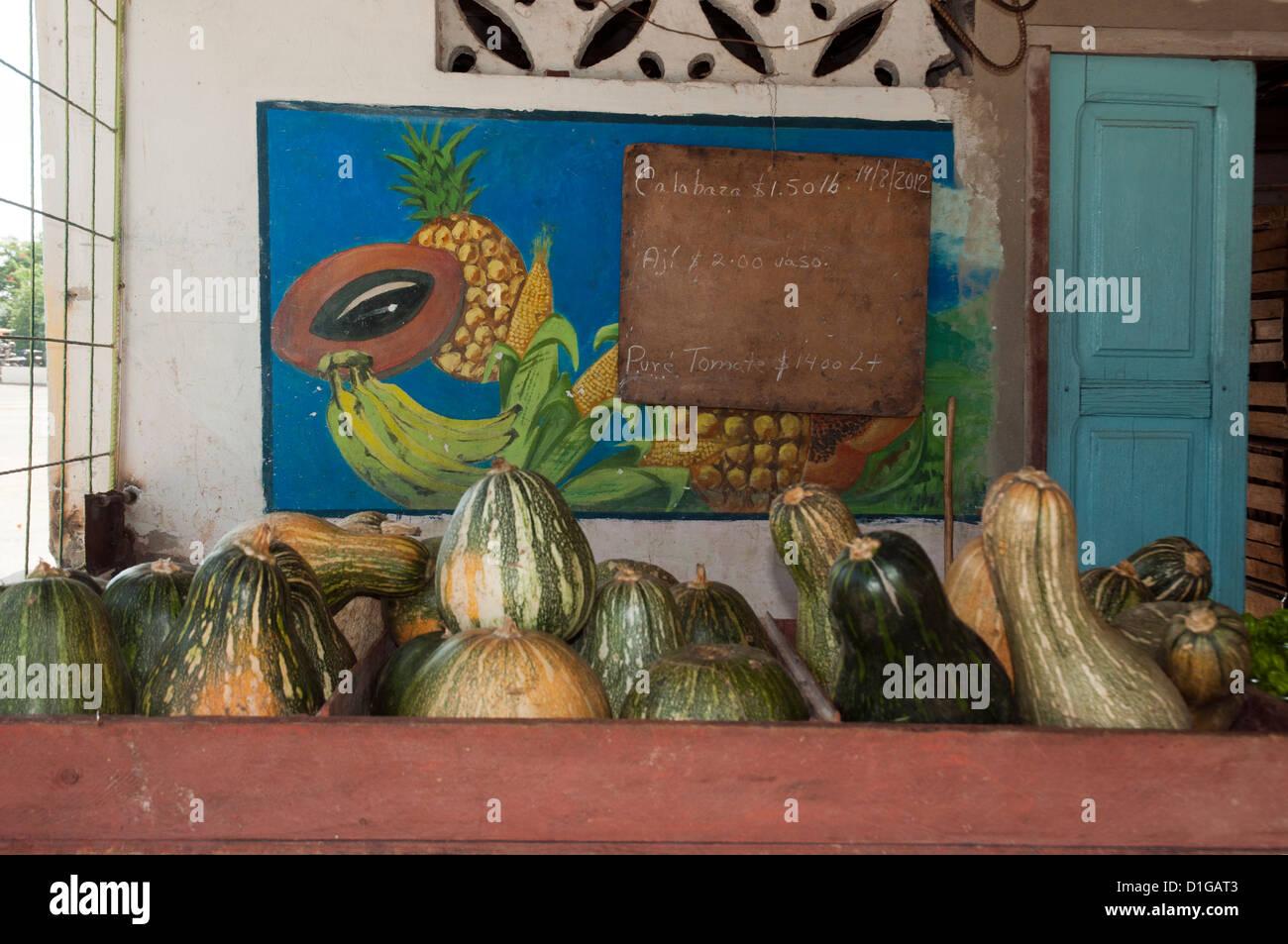 In un mercato,vegetali esotiche a Camaguey Foto Stock