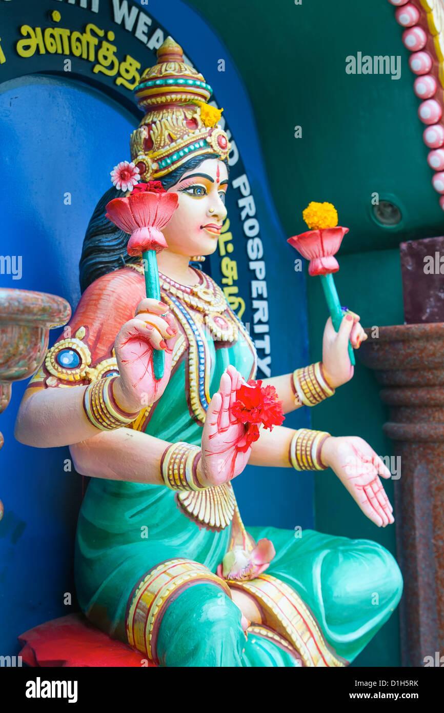 Maha Luxmi dea Indù di ricchezza e prosperità statua Immagini Stock